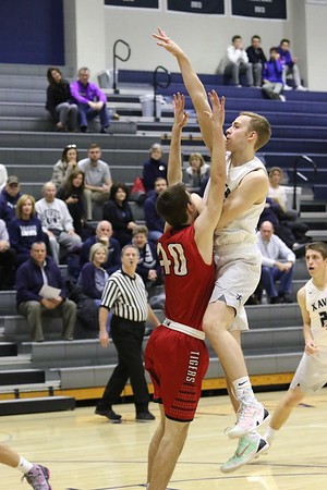 Cedar Falls vs. Xavier Boys Basketball 1/31/17