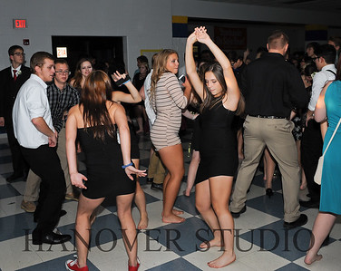 17 LHS HMCMNG DANCE  0152