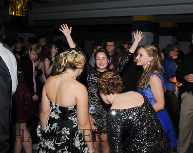 17 LHS HMCMNG DANCE  0143
