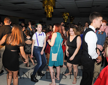 17 LHS HMCMNG DANCE  0157