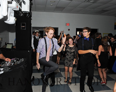17 LHS HMCMNG DANCE  0095