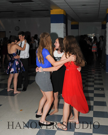 17 LHS HMCMNG DANCE  0116