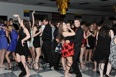 17 LHS HMCMNG DANCE  0009