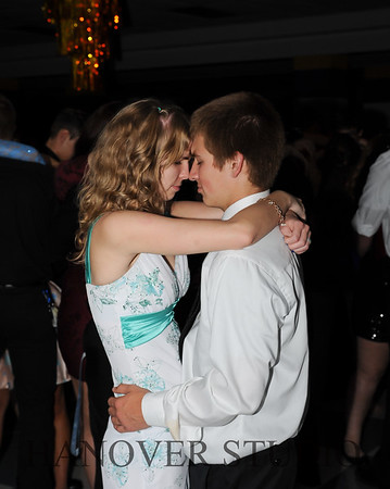 17 LHS HMCMNG DANCE  0121