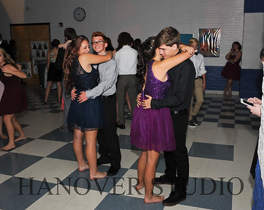 17 LHS HMCMNG DANCE  0112