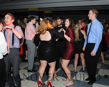 17 LHS HMCMNG DANCE  0092
