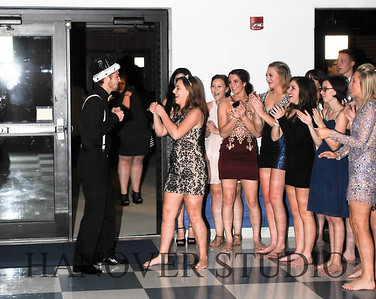 17 LHS HMCMNG DANCE  0075