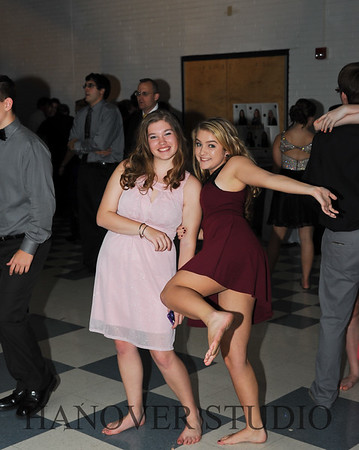 17 LHS HMCMNG DANCE  0113