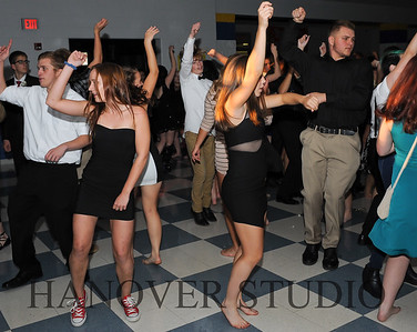 17 LHS HMCMNG DANCE  0154