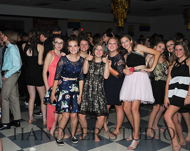 17 LHS HMCMNG DANCE  0160
