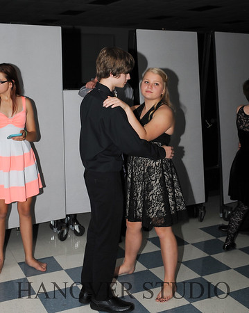17 LHS HMCMNG DANCE  0110