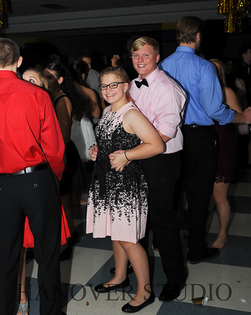 17 LHS HMCMNG DANCE  0132