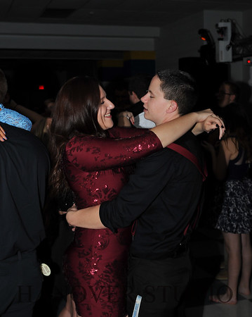 17 LHS HMCMNG DANCE  0124