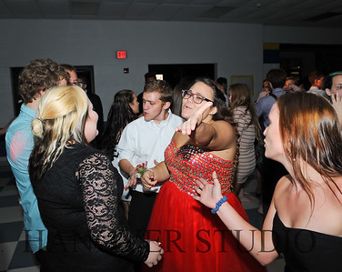 17 LHS HMCMNG DANCE  0161