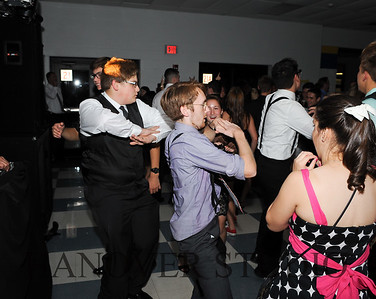 17 LHS HMCMNG DANCE  0096