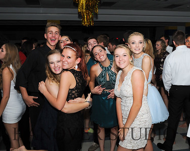 17 LHS HMCMNG DANCE  0130