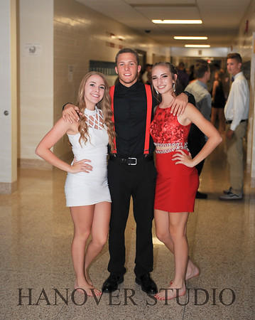 17 LHS HMCMNG DANCE  0036