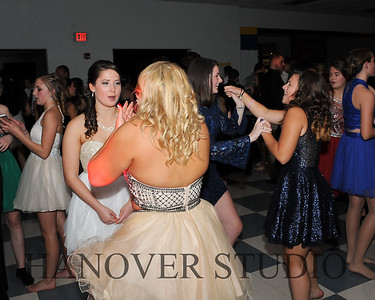 17 LHS HMCMNG DANCE  0006