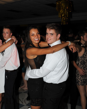 17 LHS HMCMNG DANCE  0122