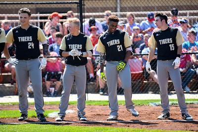 2017 LSHS Baseball Quarterfinal vs Platte County
