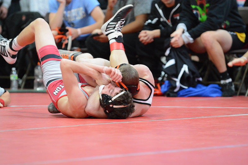 2016 Battle of Waterloo<br /> 106 - Nick Oldham (Valley , West Des Moines) over Hunter Pesek (New Hampton) Fall 0:38
