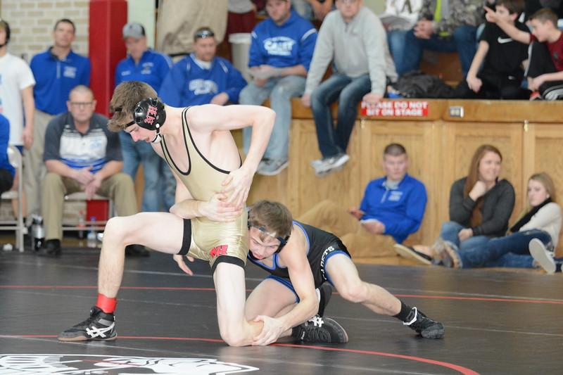 2017 New Hampton Sectional<br /> 113<br /> 1st Place Match - Kaden Anderlik (Crestwood) won by decision over Mason Cleveland (New Hampton) (Dec 11-6)