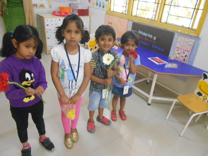 FLOWER RANGOLI AND SHOW AND TELL ACTIVITY (10)