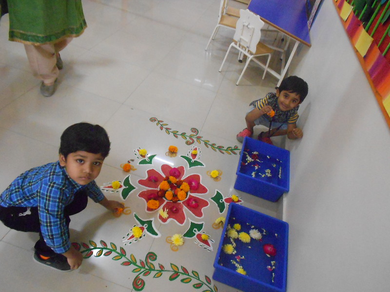 FLOWER RANGOLI AND SHOW AND TELL ACTIVITY (2)