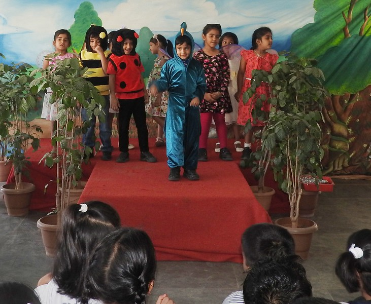 DEVELOPING LANGUAGE AND PRESENTATION SKILLS DURING ASSEMBLY TIME  TOPIC - SPRING IN BLOOM (4)