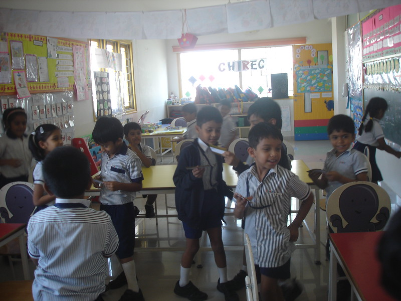 DEVELOPING LANGUAGE AND SOCIAL SKILLS DURING THE CONCEPT OF OPPOSITES (2)