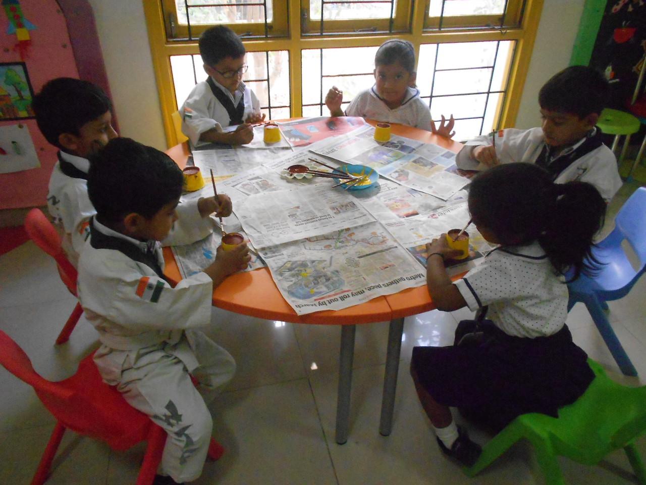 JUMBOS MAKING SUNFLOWER IN ART AND CRAFT CLASS (6)