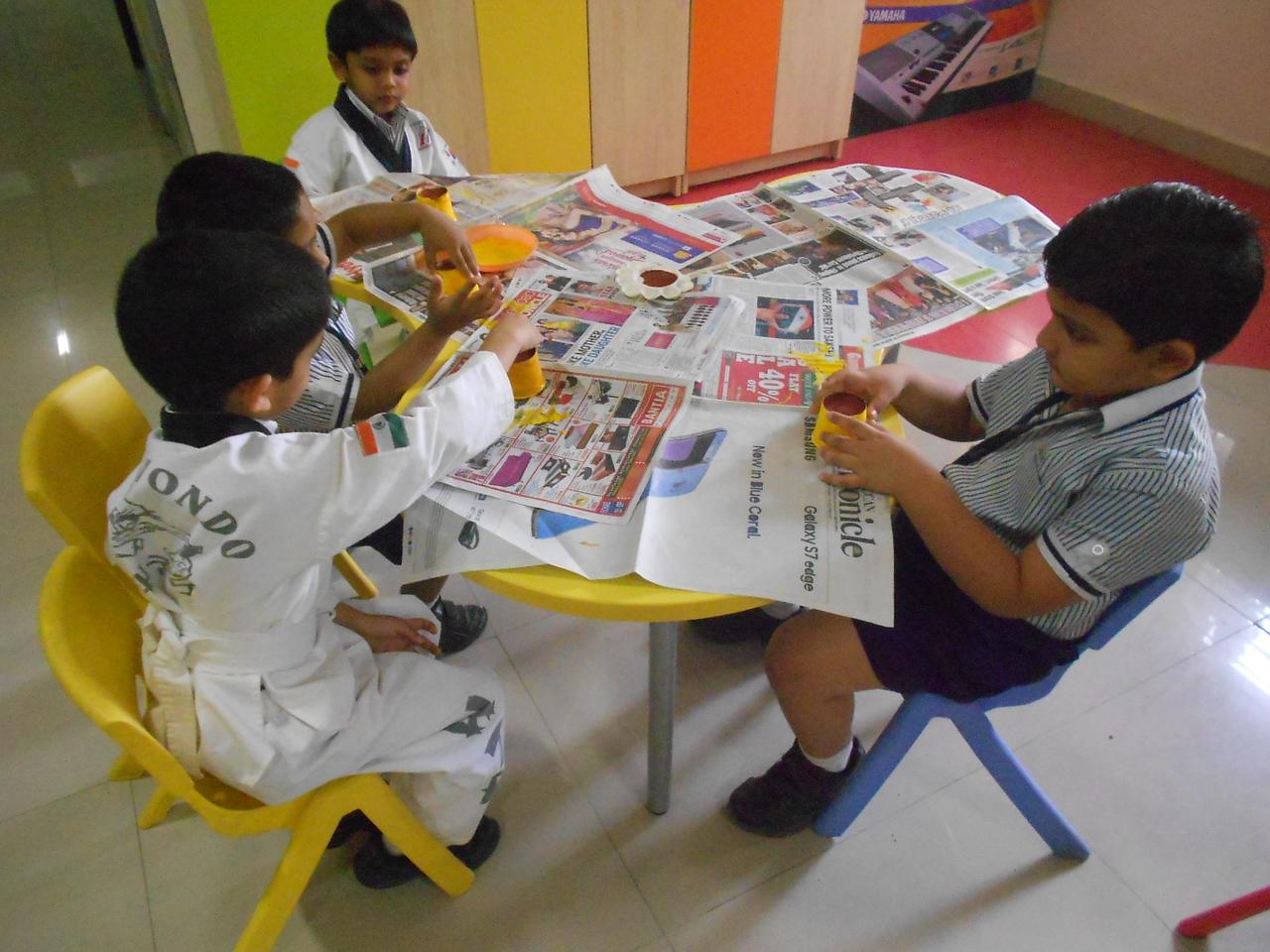 JUMBOS MAKING SUNFLOWER IN ART AND CRAFT CLASS (4)