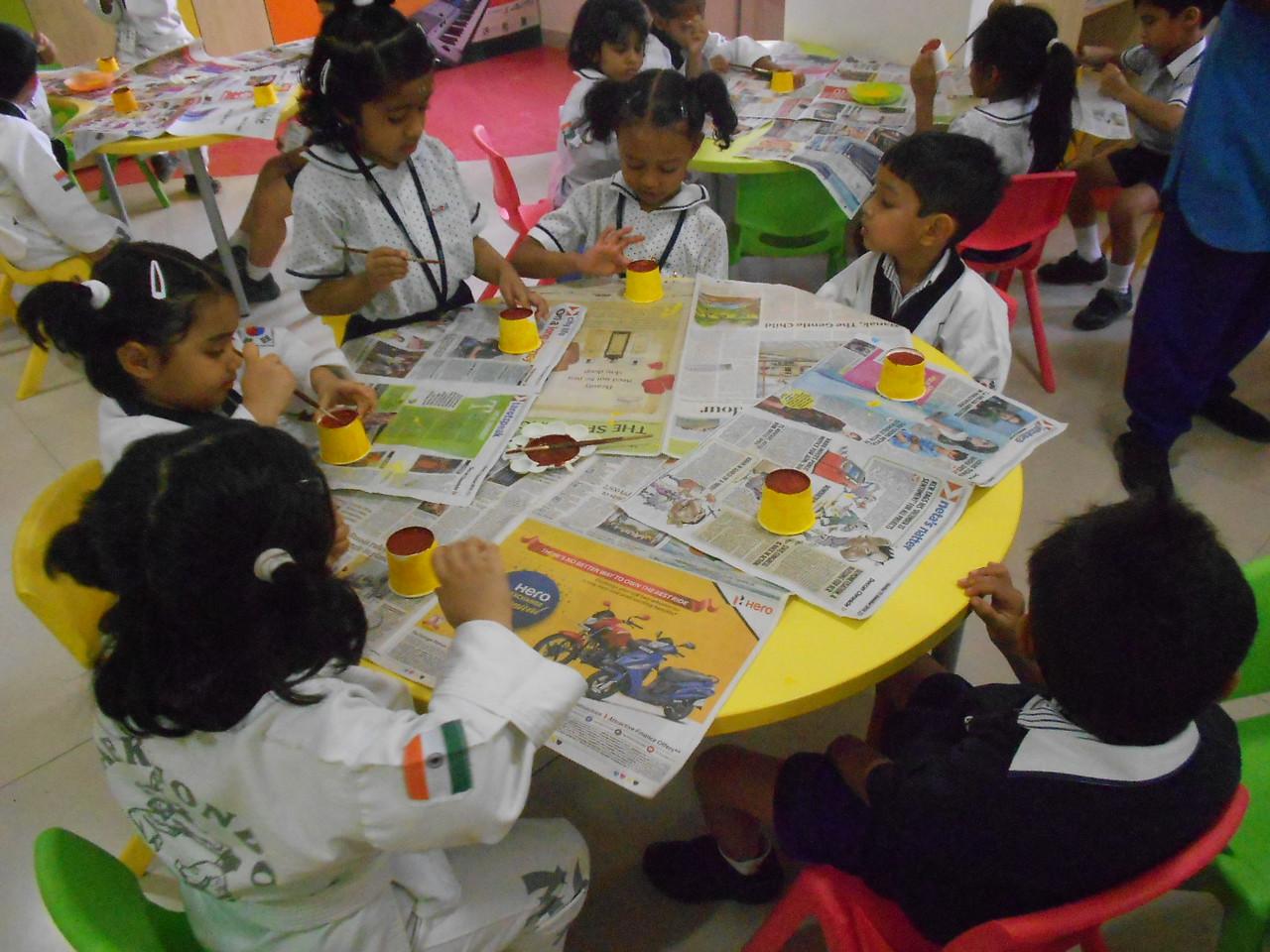 JUMBOS MAKING SUNFLOWER IN ART AND CRAFT CLASS (3)