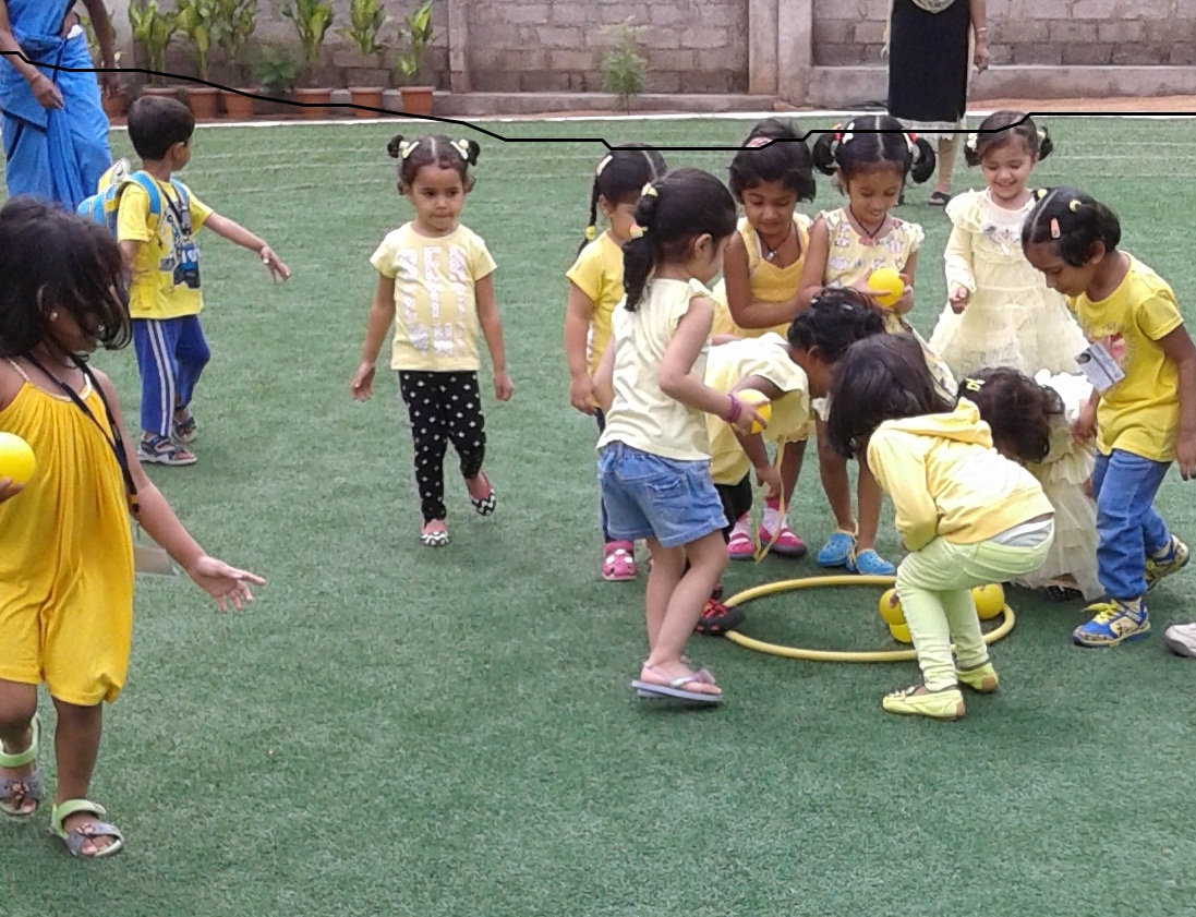 YELLOW DAY FUN GAMES (13)