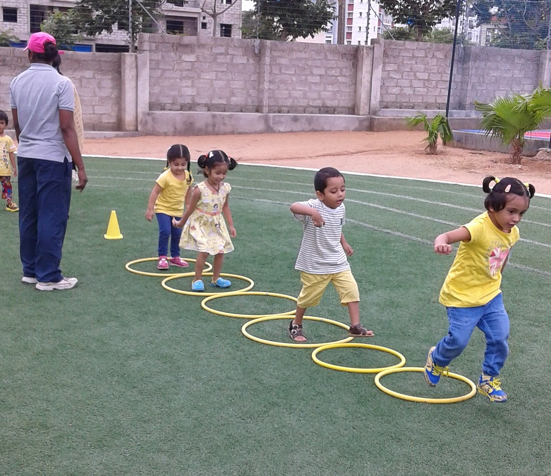 YELLOW DAY FUN GAMES (9)