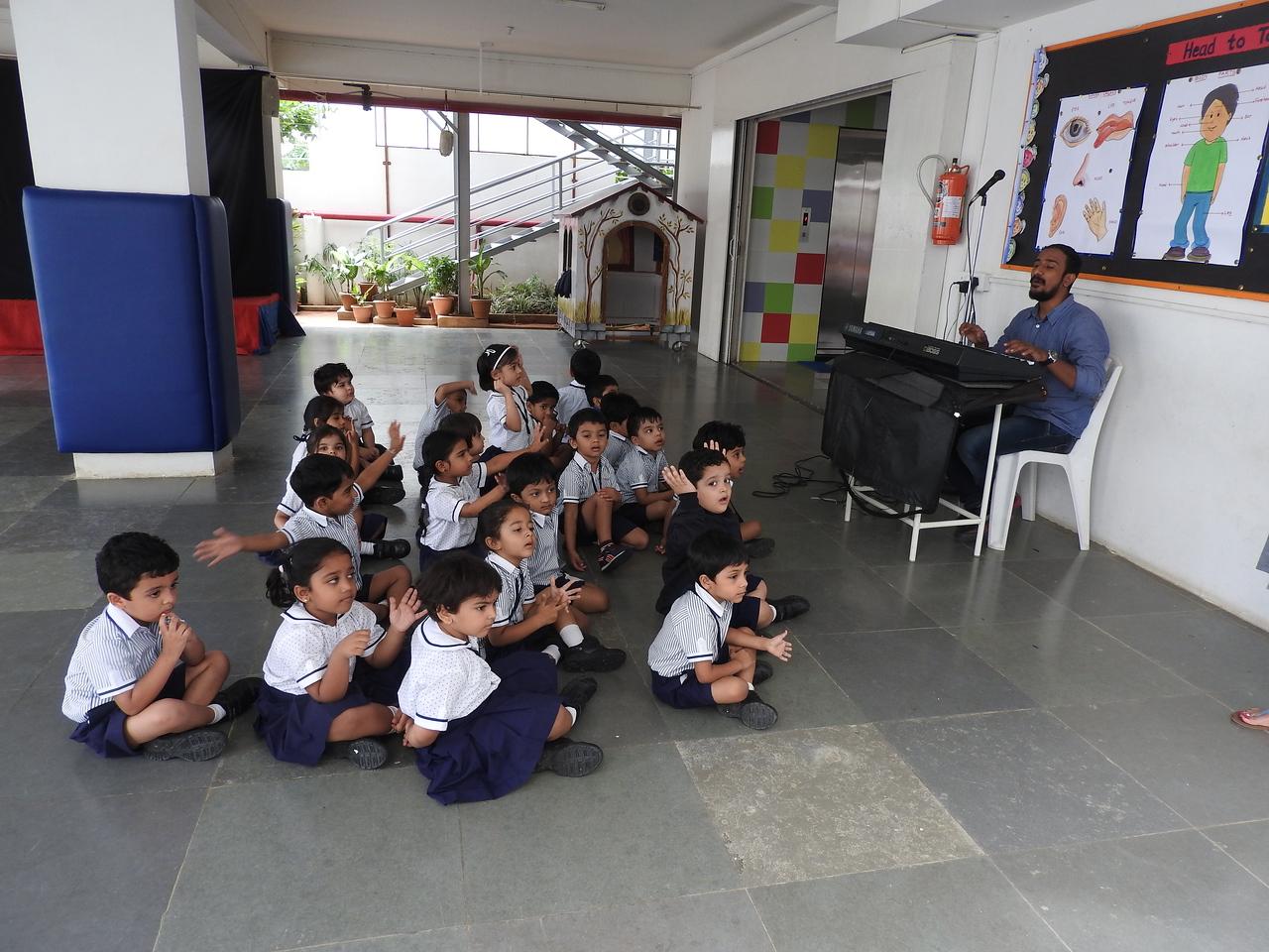 SING ALONG    IN MUSIC CLASS