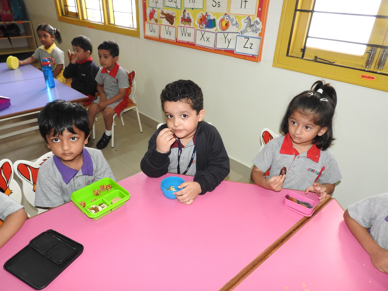FOLLOWING HEALTHY SNACK TIMETABLE