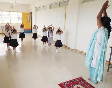 JUMBOS PERFORMING DANCE (1)