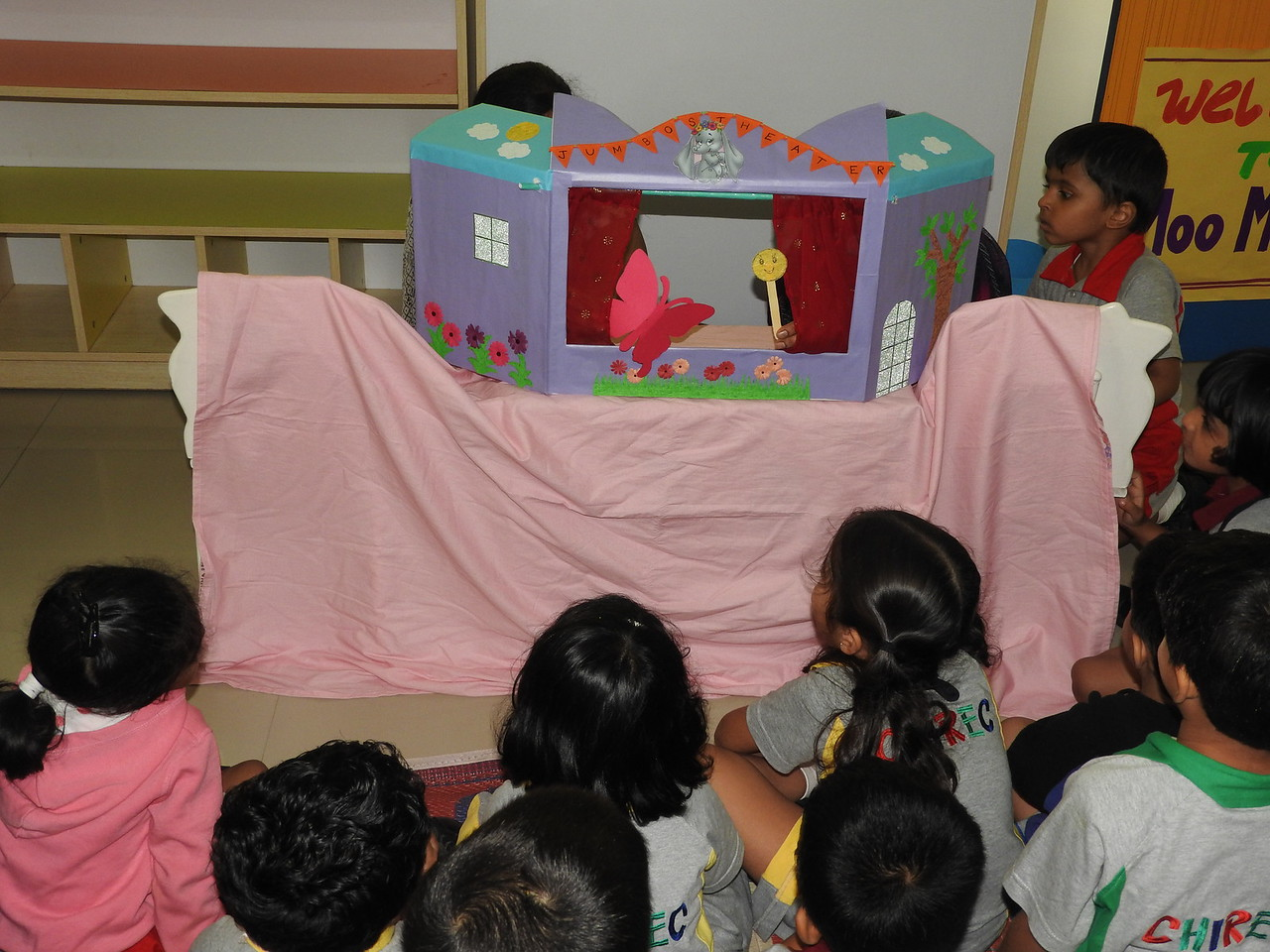 PUPPET SHOW-THE HUNGRY CATERPILLAR