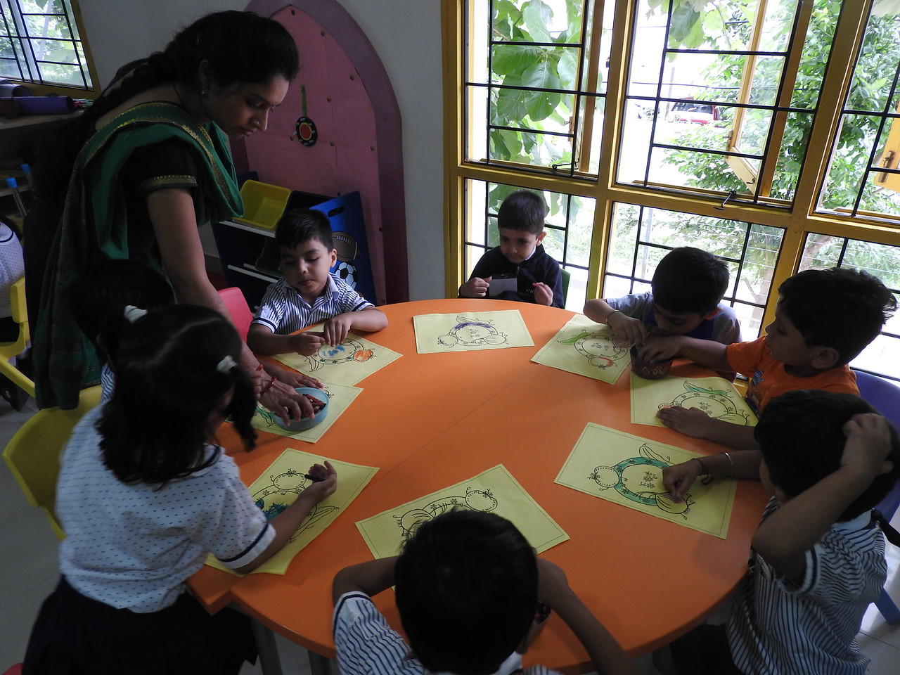 FOLLOWING ART TEACHER'S INSTRUCTIONS