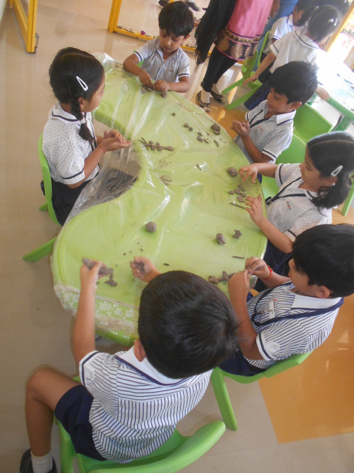 DEVELOPING FINE MOTOR AND SENSORIAL SKILLS