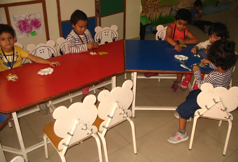 DEVELOPING FINE MOTOR SKILLS, EYE HAND COORDINATION AND CREATIVE SKILLS- COLLAGE ACTIVITY (1)