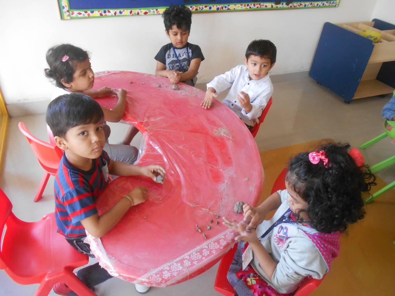 FINE MOTOR SKILLS AND CREATIVE SKILLS- MOULDING CLAY (2)