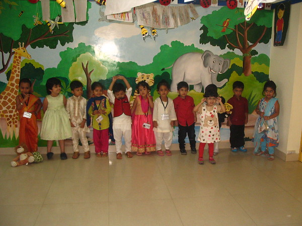 CHILDREN DRESSED AS FAMILY MEMBERS!! (10)