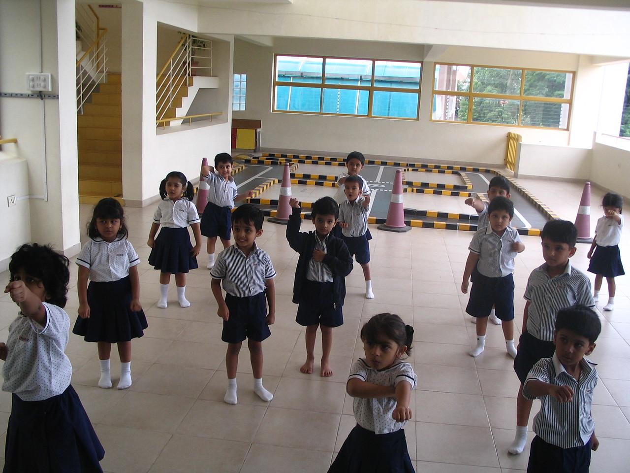 CHILDREN IN TAEKWONDO CLASS