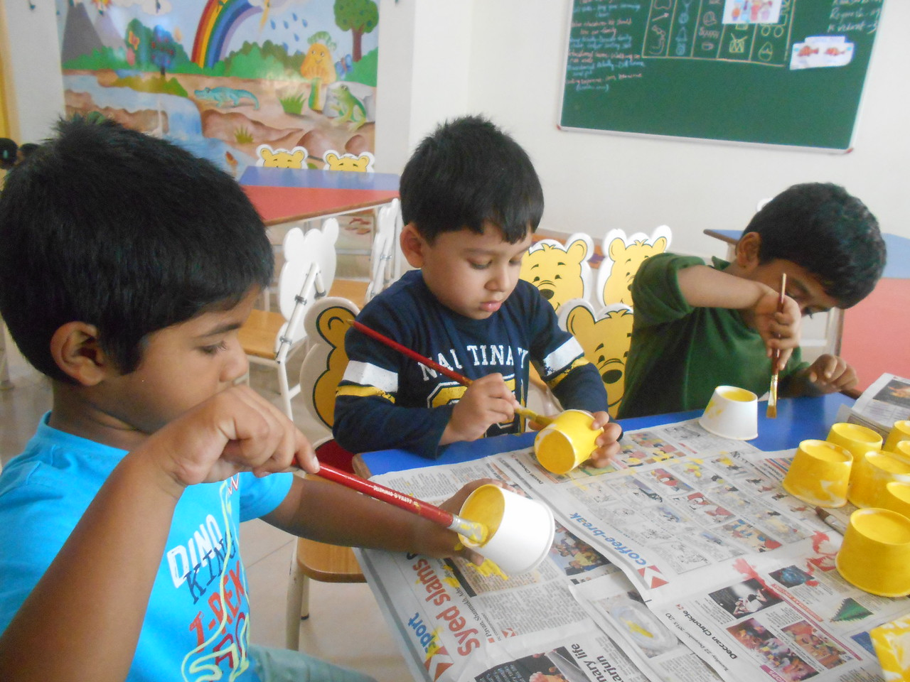 PAINTING ACTIVITY-YELLOW PAPER CUP FLOWER (7)