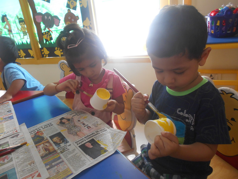 PAINTING ACTIVITY-YELLOW PAPER CUP FLOWER (3)