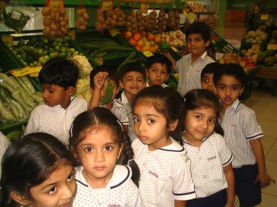 CHILDREN VISITED THE VEGETABLE MARKET FOR THE TOPIC VEGGIE DELIGHT
