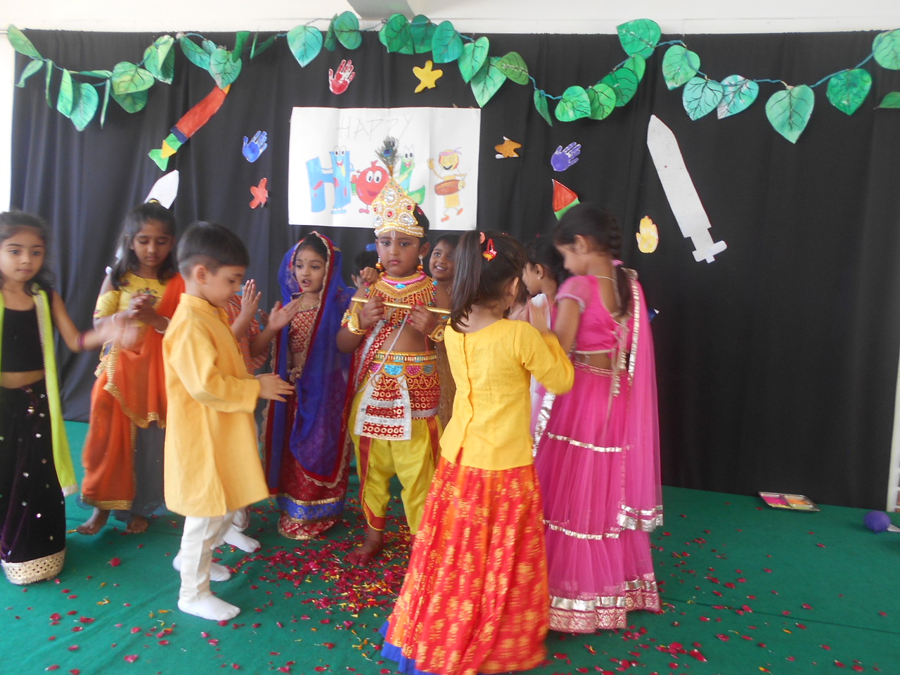 PLAYING HOLI WITH RADHA KRISHNA USING FLOWERS