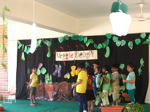 DEVELOPING COMMUNICATION  SKILLS - ASSEMBLY PRESENTATION ON ABOVE GROUND VEGETABLES
